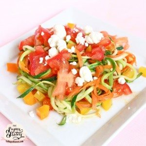 Veggie Pasta with Bell Pepper, Chopped Tomato and Goat Cheese - Super ...