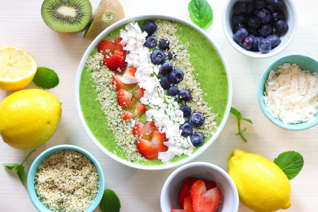 Green-Goddess-Smoothie-Bowl---Mighties-Kiwi