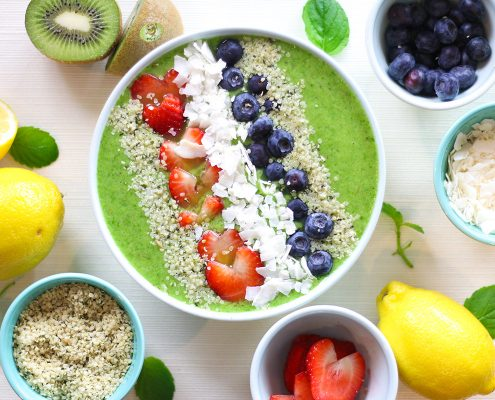 Green-Goddess-Smoothie-Bowl---Mighties-Kiwi